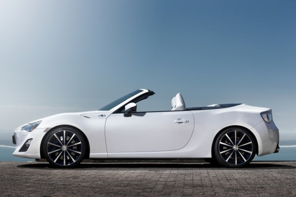 Toyota GT 86 Cabrio Open Concept – Toyota FT 86