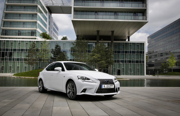 Lexus IS neu