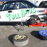 ROAC 2013 Fahrerlager Subaru Reifen Wechsel