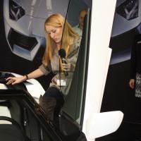 Vienna Autoshow 2014 hübsche Moderatorin Journalistin