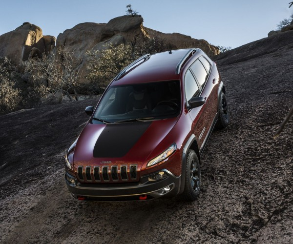 Jeep Cherokee Trailhawk Action