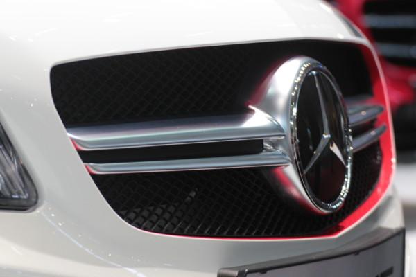 Mercedes-Benz Logo Emblem Zeichen Autohersteller Blogger Auto Award