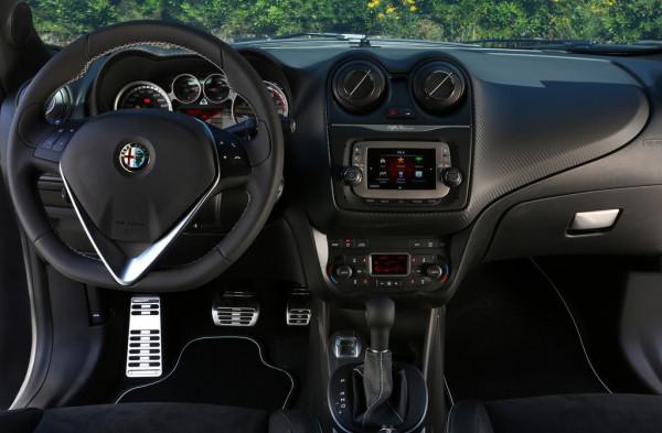 Alfa Romeo Mito Quadrifoglia Verde Innenraum