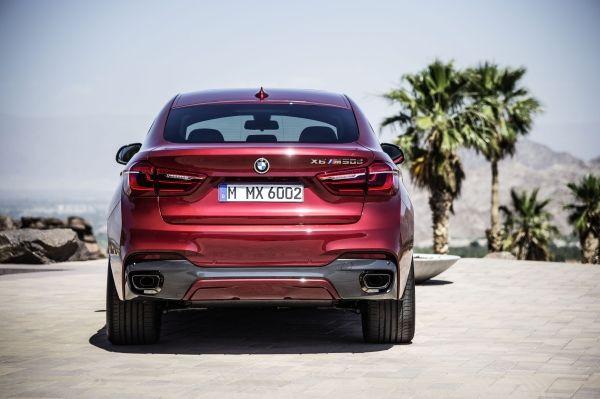 Der neue BMW X6 M50d in Flamenco Red Heck