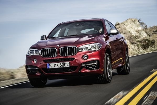 Der neue BMW X6 M50d in Flamenco Red