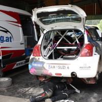 Schneebergland Rallye 2014 Suzuki Swift S1600 Andreas Aigner Service