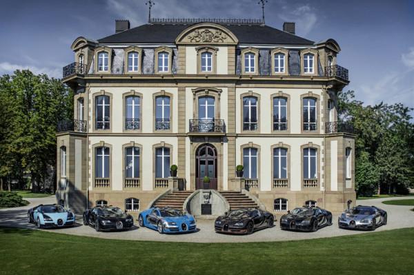 Sechs Bugatti an einem Ort