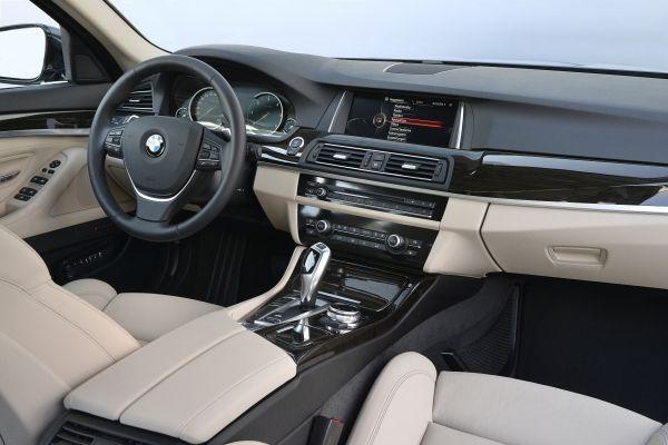 Die neue BMW 518d Limousine Innenraum