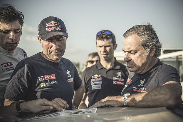 Peugeot 2008 DKR Carlos Sainz Stephane Peterhansel und Cyril Despres