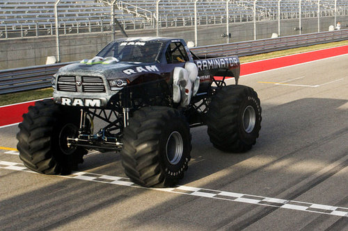 Monstertruck Raminator Dodge Ram 1500 Pickup