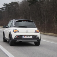Opel Adam Rocks Autobahn