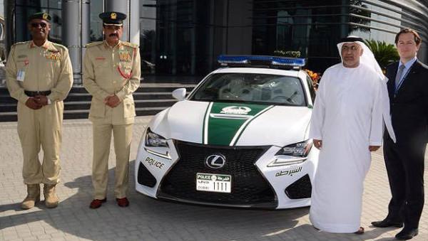 Polizei von Dubai erhielt neuen Sportwagen