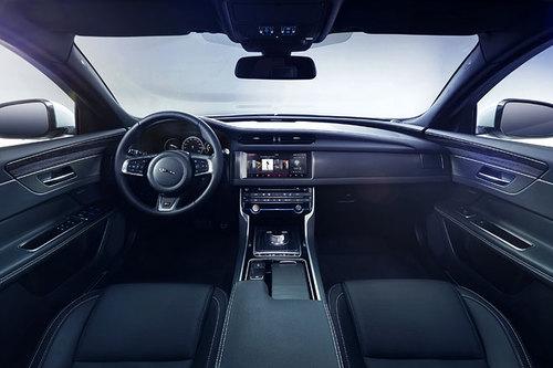 Jaguar XF Innenraum