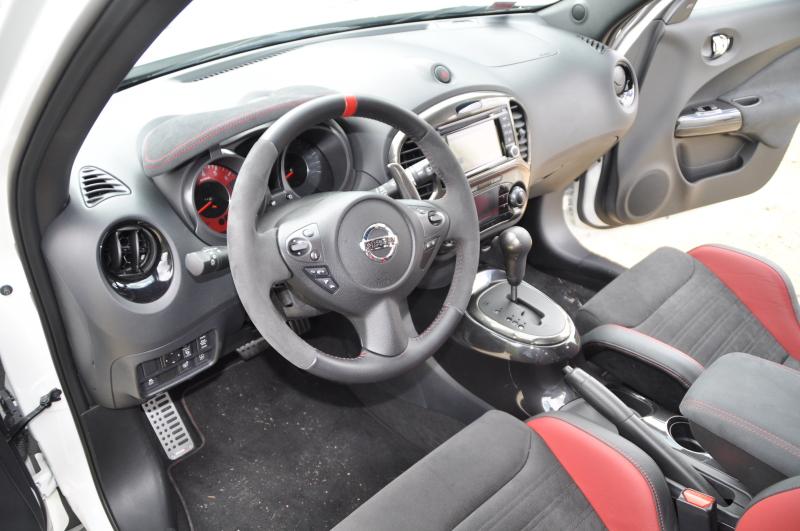 Nissan juke nismo rs bericht faszination autos for Nissan juke innenraum