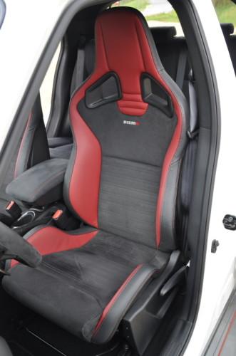 Nissan Juke Nismo RS Recaro Halbschalen Sportsitze