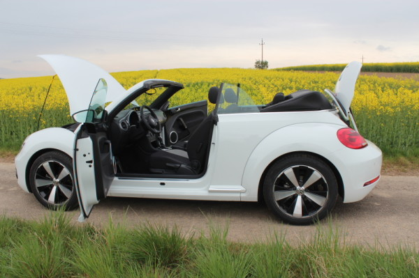 VW Beetle Cabriolet offen