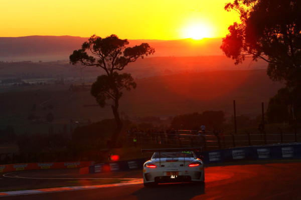 Mercedes SLS AMG GT3 beim 12-h-Rennen von Bathurst in Australien