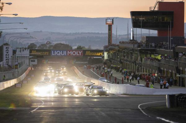 Mercedes SLS AMG GT3 12 Stunden Rennen Bathurst