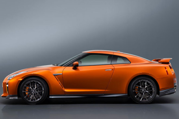 Nissan GT-R Innenraum Facelift Seite