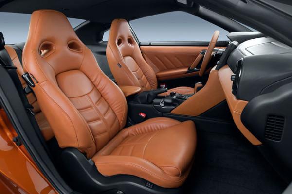 Nissan GT-R Innenraum neu