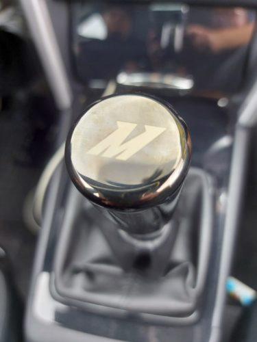 Mitsubishi Lancer CYO Schaltknauf tauschen – Mishimoto